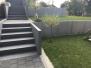 Treppe und Stützmauer